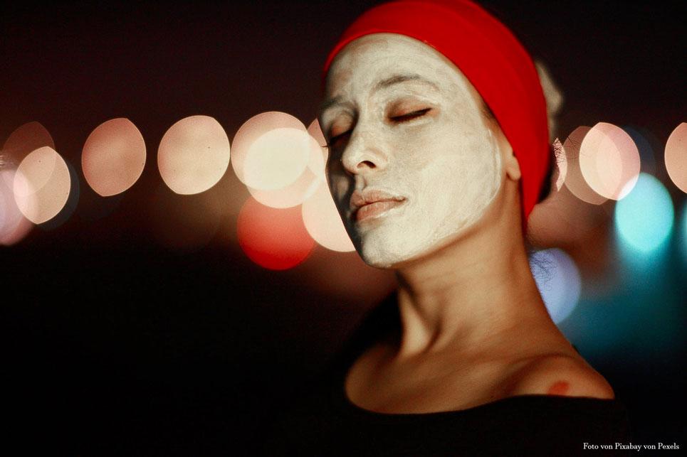 Beauty-Geheimnisse: Welche medizinische Kosmetik Creme mit Hyaluron?